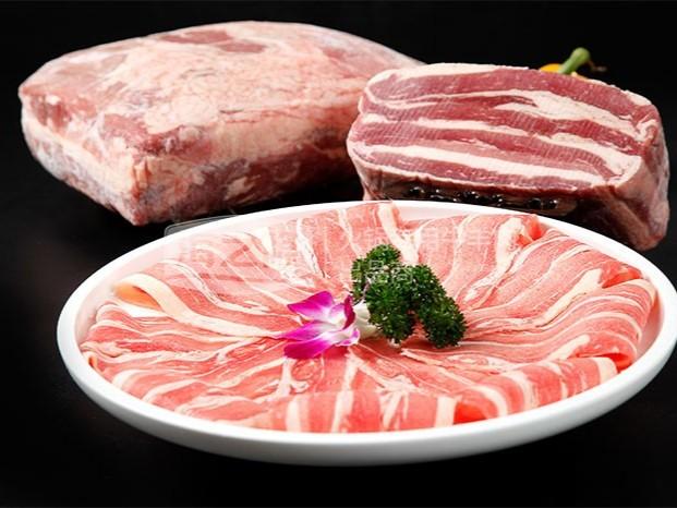 为什么会出现泛绿色的牛羊肉卷?