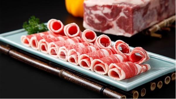 临近年关,牛羊肉价格飞涨,吃一顿火锅成本太大!