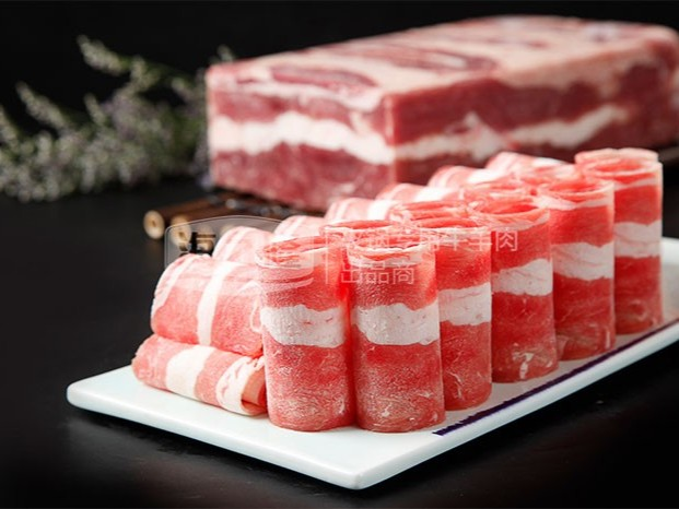 冬天里吃个不一样的牛肉卷火锅,暖和!