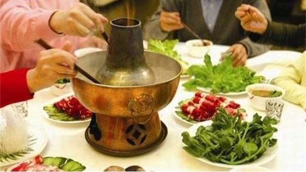 吃火锅为什么要加配菜呢?